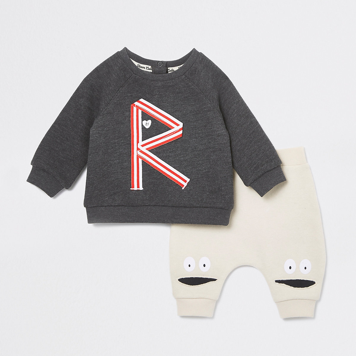 Baby beige 'R' print jogger outfit