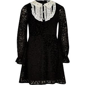 Robe droite noire à col en dentelle pour fille