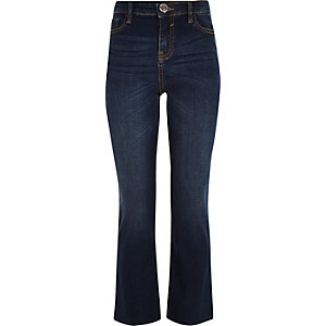 Dunkelblaue, ausgestellte Jeans