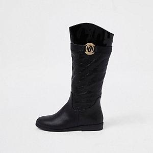 Schwarze, kniehohe Stiefel mit RI-Monogramm