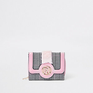 Girls pink check print fur trim trifold purse