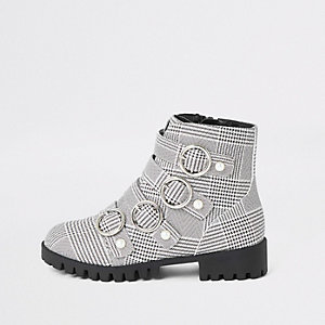 Girls black check circle buckle boots