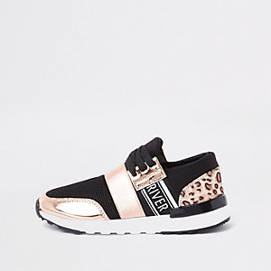 Girls gold leopard print runner trainers