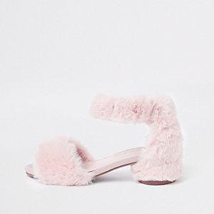 Sandales à talon carré bordées de fausse fourrure rose fille