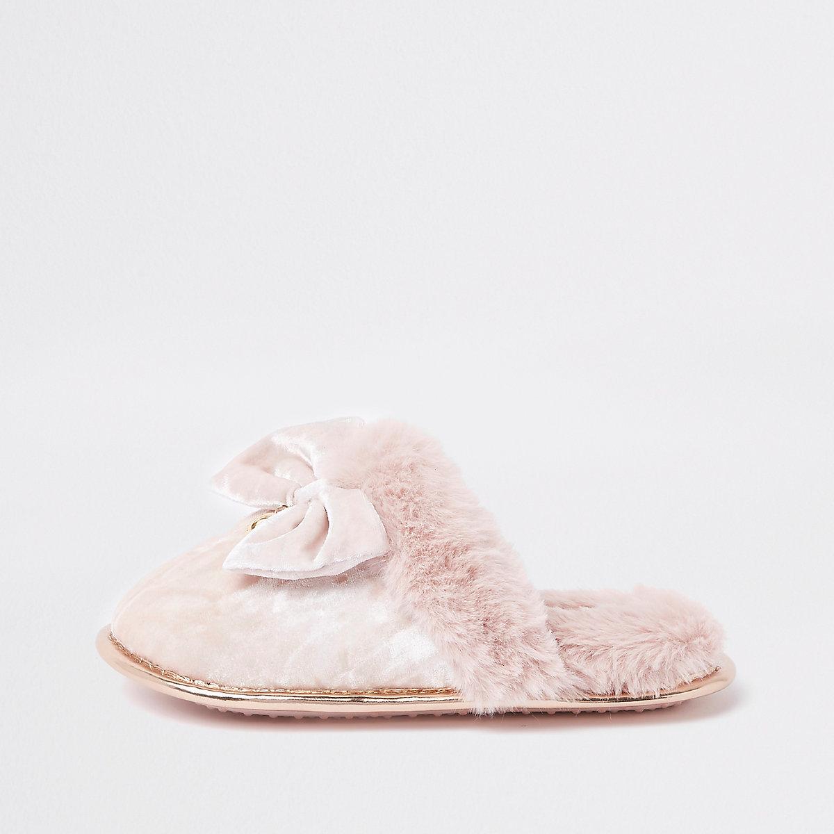 Girls pink velvet bow slippers