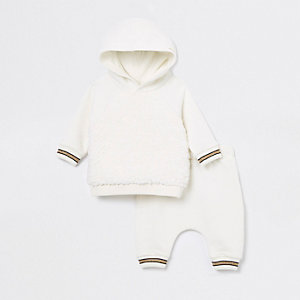 Baby cream angel wing jogger outfit
