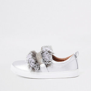 Girls silver faux fur diamante strap plimsoll