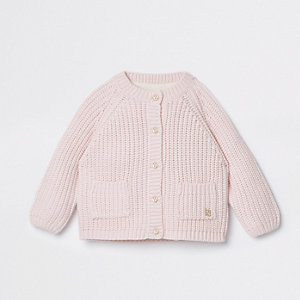 Pinke Strickjacke