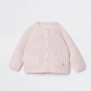 Cardigan en maille rose pour bébé