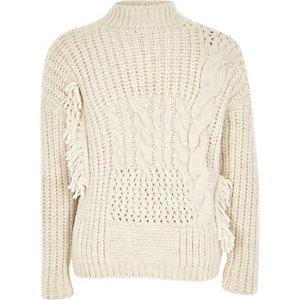 Hochgeschlossener Pullover in Creme mit Zopfmuster