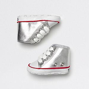 Hohe Sneaker in Silber-Metallic