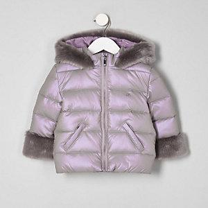 Wattierter Mantel mit Kunstfellbesatz in Lila