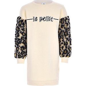 Beiges Pulloverkleid mit Leoparden-Print