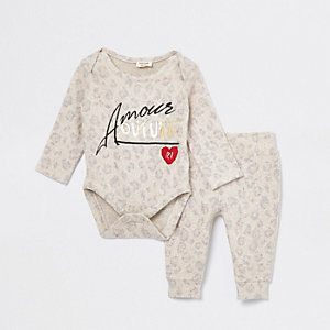 Babygrow-outfit met 'amour couture'-print voor baby's