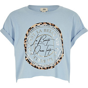 Girls blue 'la beaute' print crop top