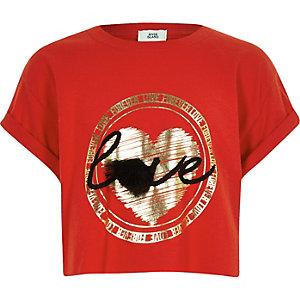 T-shirt à inscription « Love forever » rouge avec pompon fille