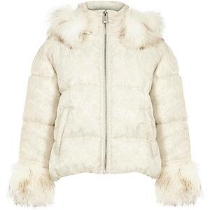 Wit gewatteerd jack met camouflageprint en imitatiebont voor meisjes