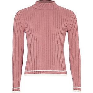 Pinker Rollkragenpullover mit Zierstreifen