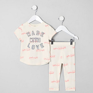 Mini - Crème outfit met 'Made with love'-print voor meisjes
