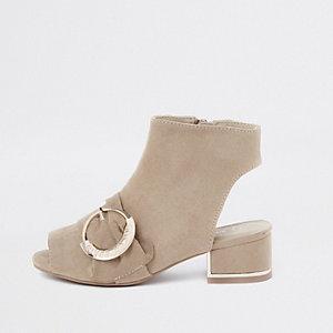 Bruine schoenlaarsjes met RI-logo en gesp voor meisjes