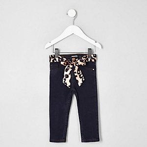 Mini - Molly - Blauwe jeans met halfhoge taille en ceintuur voor meisjes