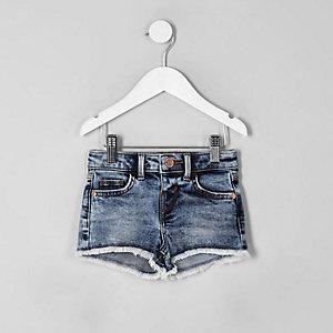 Short en jean bleu délavé à l'acide mini fille