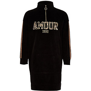 """Schwarzes Sweater-Kleid mit Tunnelkragen """"Amour"""""""