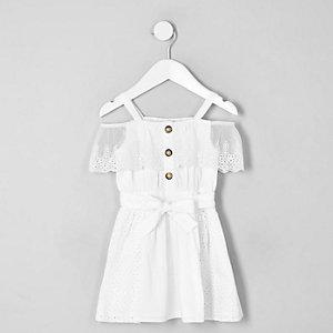 Weißes Bardot-Kleid mit Lochstickerei