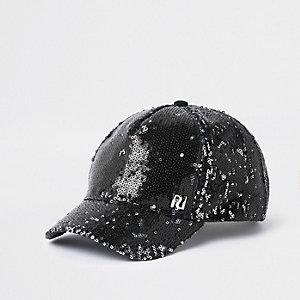 Schwarze Baseball-Kappe mit Paillettenverzierung