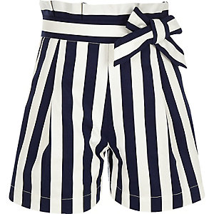 Marineblaue, gestreifte Paperbag-Shorts aus Popelin