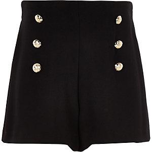 Schwarze Shorts mit Knopf