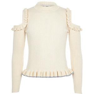 Pullover in Creme mit Rüschen