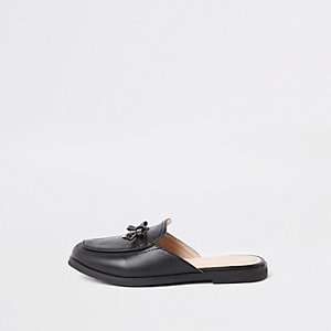 Girls black RI monogram backless loafers
