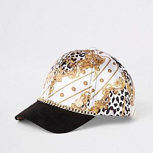 Weiße Barock-Kappe