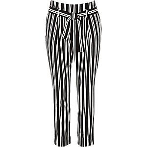 Zwarte gestreepte smaltoelopende broek voor meisjes