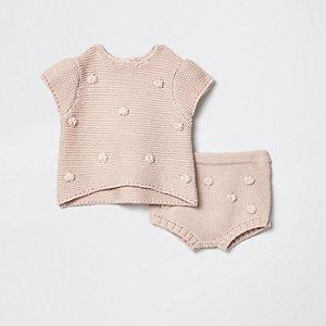 Roze gebreid broekje met bobbeltjes voor baby's