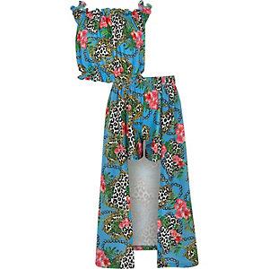 Outfit mit blauem Hosenrock
