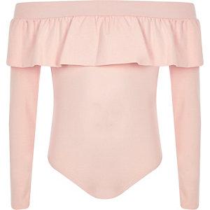 Pinker Bardot-Body mit Rüschen