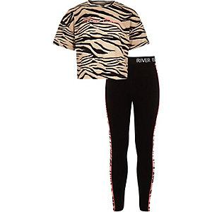Outfit in Beige mit Zebra-Print