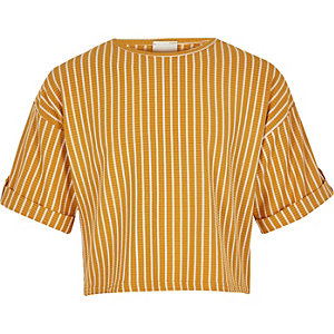 Gelbes, gestreiftes T-Shirt