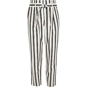 Witte gestreepte smaltoelopende broek met strikceintuur voor meisjes