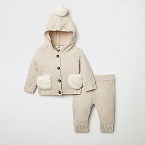 Baby cream knitted cardigan outfit