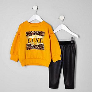 Ensemble avec pull imprimé léopard «luxe» jaune