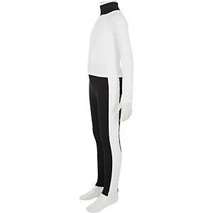 Outfit mit weißem Oberteil