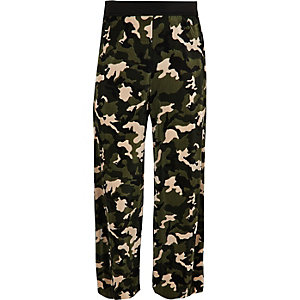 Girls khaki camo plisse trousers