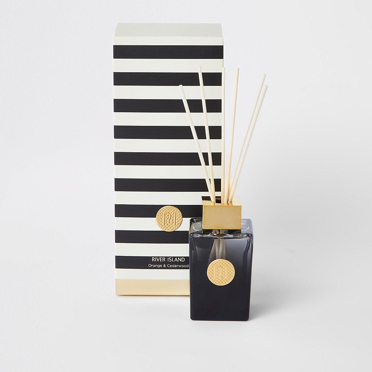 Diffuseur de parfum à l'orange et au bois de cèdre