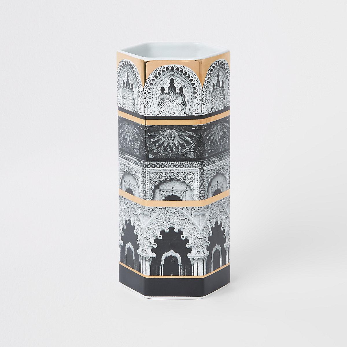 Vase en céramique à imprimé hexagonal blanc
