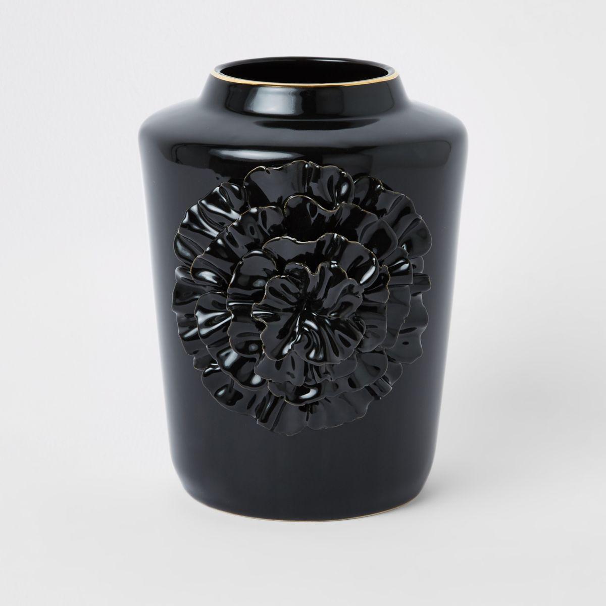 Black ceramic flower vase