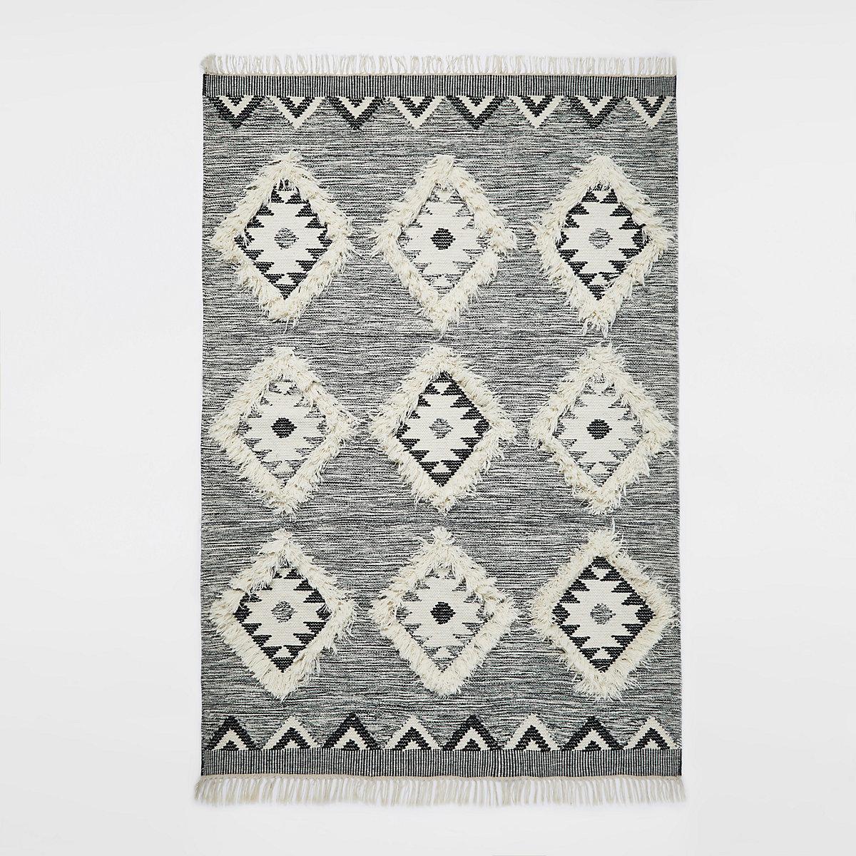 Large grey geometric diamond rug