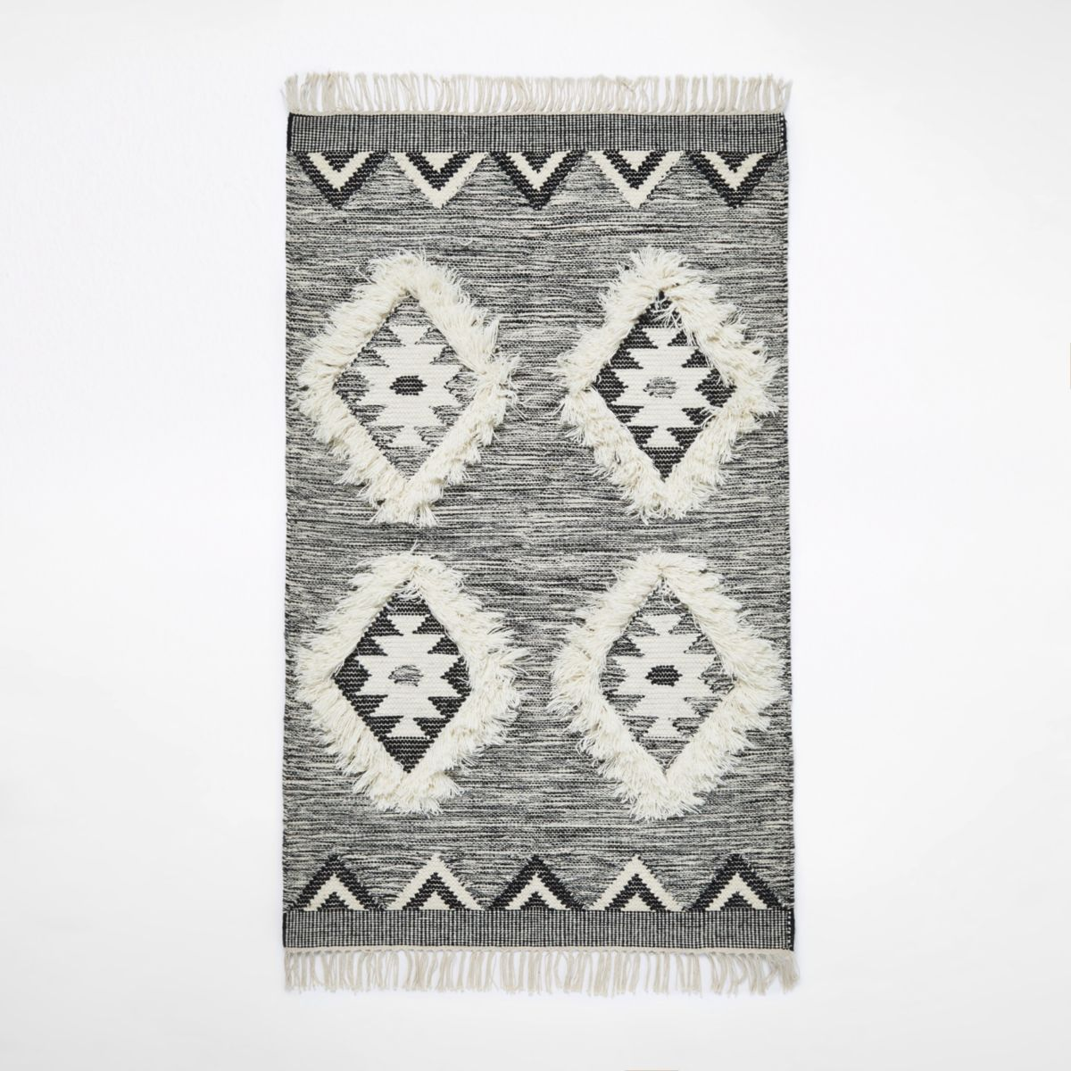 Small grey geometric diamond rug